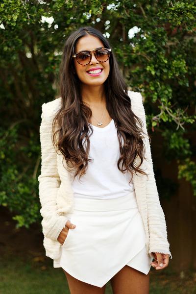 white envelope Zara shorts - off white tweed Zara blazer