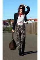 Reiss jacket - Massimo Dutti bag - Burberry sunglasses - H&M belt - H&M t-shirt