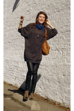 unknown sweater - unknown scarf - H&M pants - H&M shoes - Zara purse