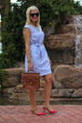 Sky-blue-target-dress-brown-willis-coach-bag-hot-pink-studded-torrid-heels