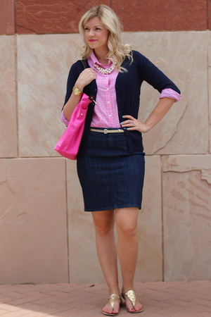 navy v-neck Target sweater - hot pink button-up JCrew shirt