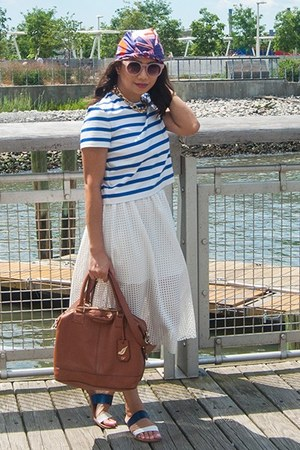 white skirt - blue top - amethyst accessories