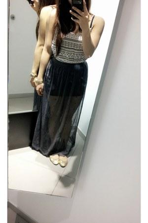 chiffon maxi H&M skirt - aztec pattern H&M top