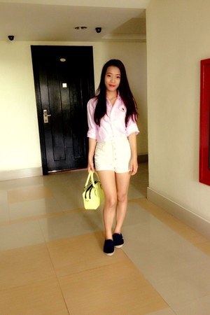 navy sunday TOMS flats - lime green shumiya bag - light pink Drug store t-shirt