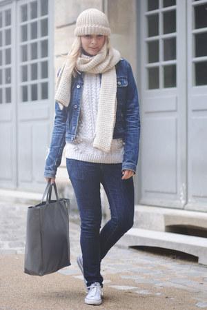 blue denim Nudie Jeans jeans - beige knitted maison martin margiela hat