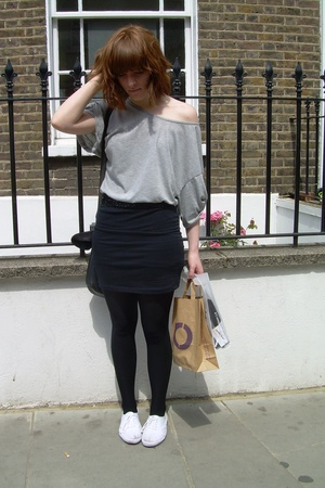 Primark skirt - Primark t-shirt - UO shoes - Topshop tights