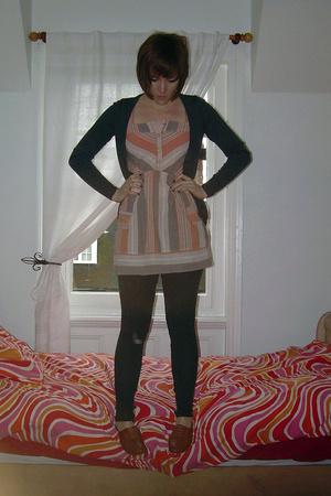 Uniqlo sweater - UO top - Topshop pants - Topshop shoes