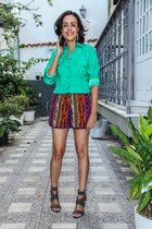 green chic shirt - print shorts - black Aredda sandals