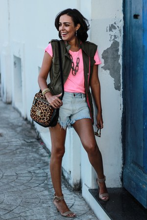 olive green army Forever 21 vest - black animal print Luiza Barcellos bag