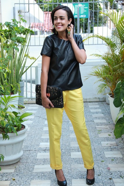 yellow linnen Aremo pants - black faux leather Express top