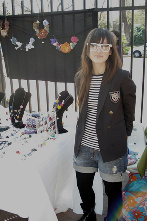 vintage blazer - Zara shirt - Zara shorts - tights - vintage boots - glasses