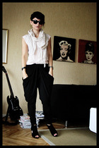 vintage top - Diana Orving pants - Din Sko shoes - Indiska scarf - blammo sungla