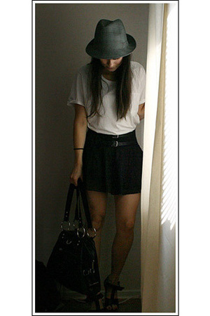 hlns hat - Emilio t-shirt - H&M skirt - Stockh lm purse