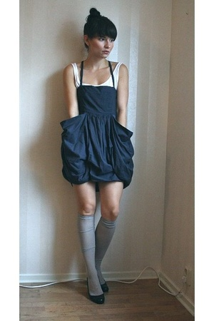gray Monki dress - black Zara shoes - gray Indiska socks - white H&M top
