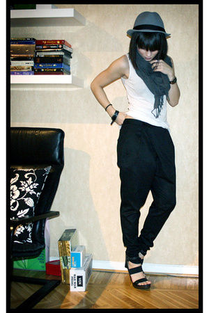H&M hat - H&M scarf - H&M top - Zara pants - PROENZA SCHOULER shoes