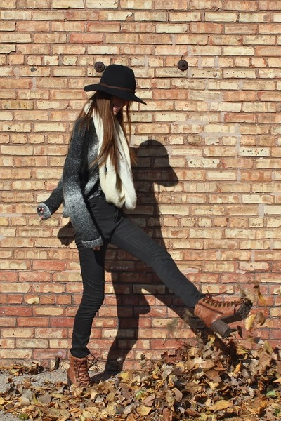 black Urban Outfitters hat - tawny Lucky Brand boots