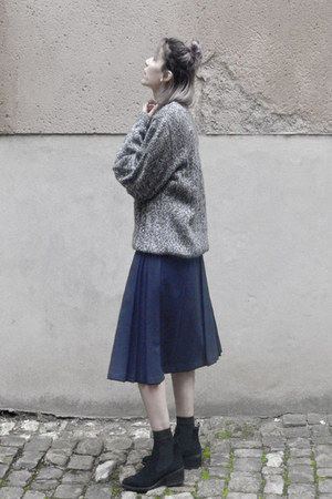 navy wool vintage skirt - silver pull vintage top