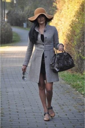 Hallhuber hat - Zara coat - Miss Sixty bag