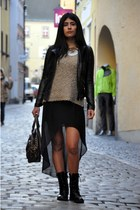 Zara skirt - H&M boots - Zara jacket - Miss Sixty bag - Mango necklace