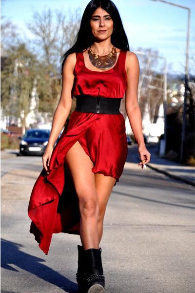 inlovewithfashion dress - Deichmann boots - Mango necklace