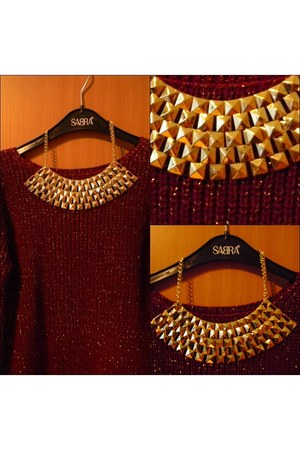 nude studded threadsence necklace