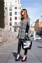 heather gray Mango cape - black Zara bag - black Zara pants - magenta Zara heels
