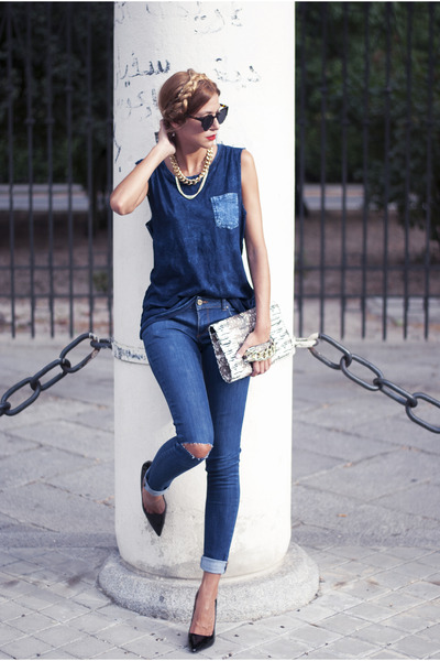 navy Uterque jeans - eggshell H&M bag - gold H&M necklace - black Zara heels