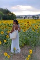 white Zara dress - ivory Stradivarius bag