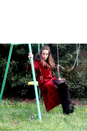 red coat - black texto shoes