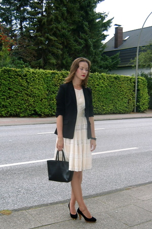 H&M blazer - Espace&Kiliwatch dress - second hand shoes - Vogt by Florence purse