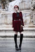 ruby red velvet Ysterike dress - black clutch Topshop bag - black alaia heels