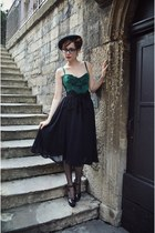 black tassles vintage belt - black midi Zara skirt - green corset vintage top