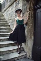 black tassles vintage belt - black midi Zara skirt - green corset vintage top
