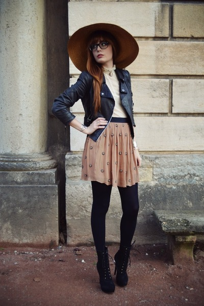 tawny vintage hat - black booties KG boots - black leather Topshop jacket