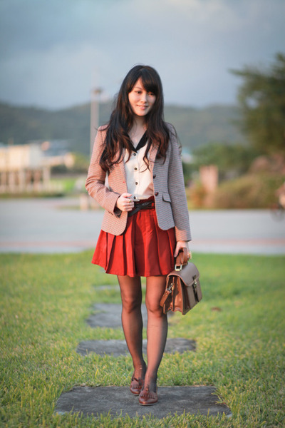 brick red chidori pattwen Zara blazer - dark brown retro thrifted bag