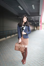 Navy-zara-blazer-brown-loafers-light-brown-skirt