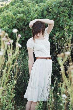 ivory lace vintage shirt - beige vintage skirt