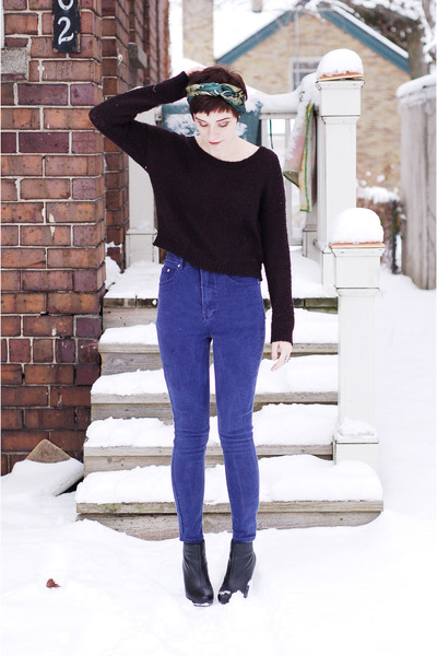 blue reconstructed vintage jeans - black H&M sweater - black wedges