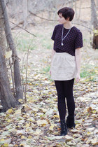 navy blouse - beige skirt