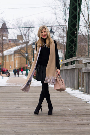 nude Zara scarf - black Forever 21 boots - black Mango sweater