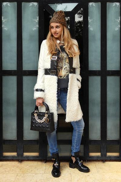 off white Elisabetta Franchi coat - black balenciaga boots