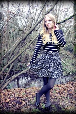 black striped Forever 21 sweater - dark green Forever 21 tights - black floral p