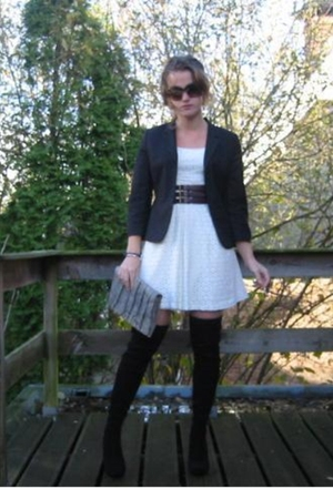 black we blazer - white H&M dress - black boots - purple belt - gray