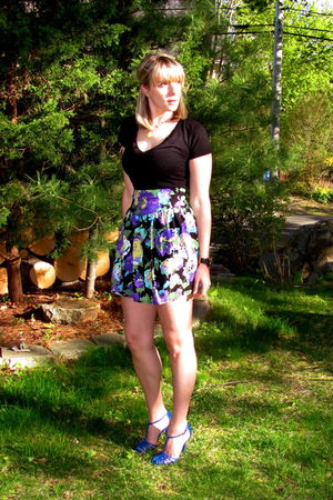 blue Charles David shoes - black alloy t-shirt - purple Marshalls skirt