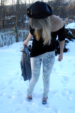 black Metro Park hat - black Tea Bags blouse - gray Black Orchid jeans - Fornari