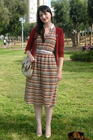 beige thrift dress - gold ferragamo shoes - beige thrift purse