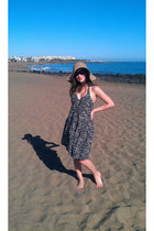 Terranova hat - H&M dress