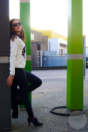 black jeggings Dorothy Perkins jeans - white sequin penguins new look sweater