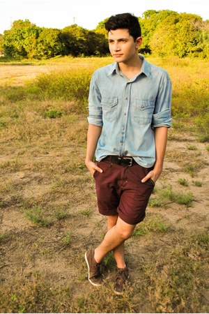 periwinkle shirt - brown shoes - brick red shorts - black belt