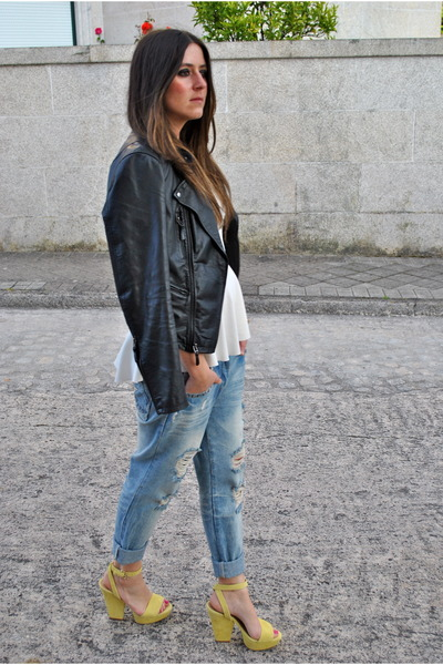 black leather jacket black jacket - light blue boyfriend jeans light jeans